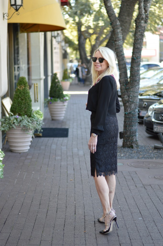 black lace pencil skirt