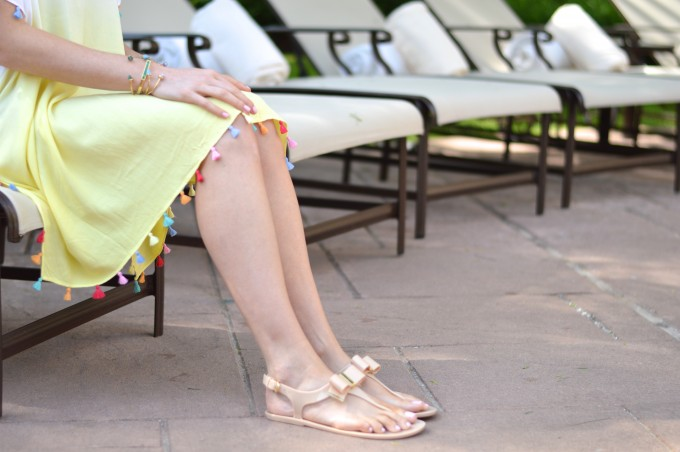 jelly sandals, bow on your toes, tassel coverup, summer pool style