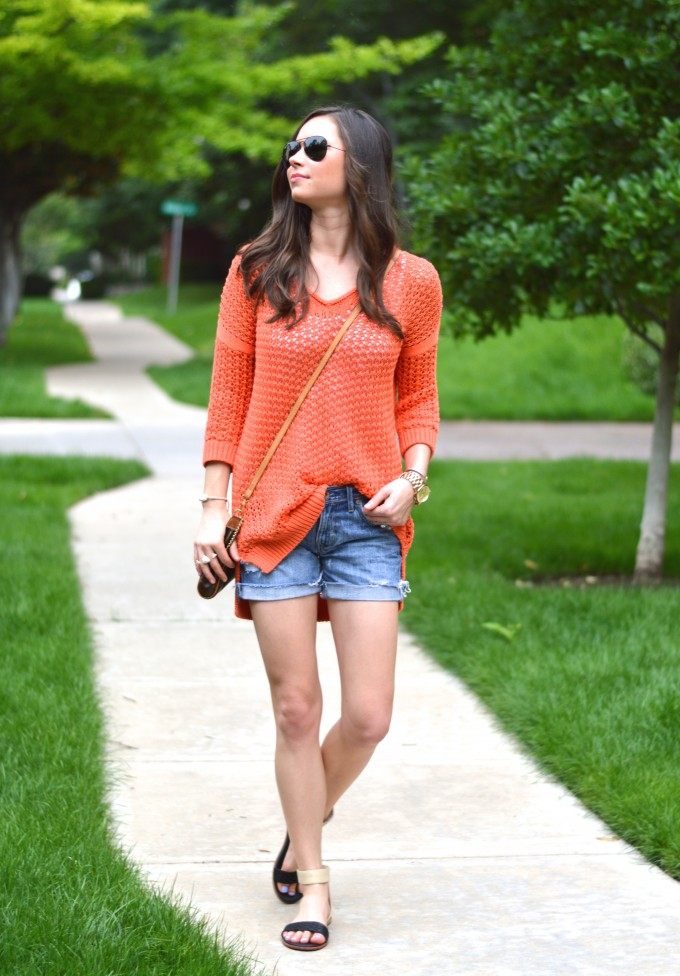 summer sweaters, summer style, casual summer style,how to style jean shorts