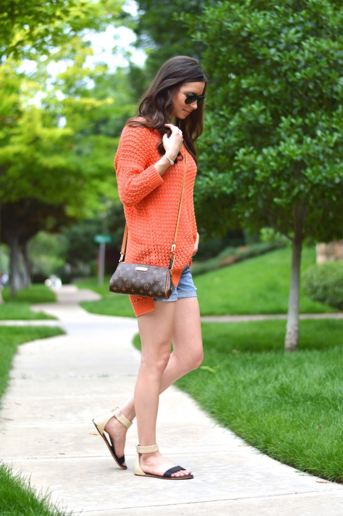 louis vuitton cross body bag, summer sweaters, summer style, casual summer style,how to style jean shorts