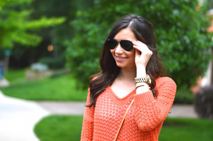 ray ban aviators, summer sweaters, summer style, casual summer style,how to style jean shorts