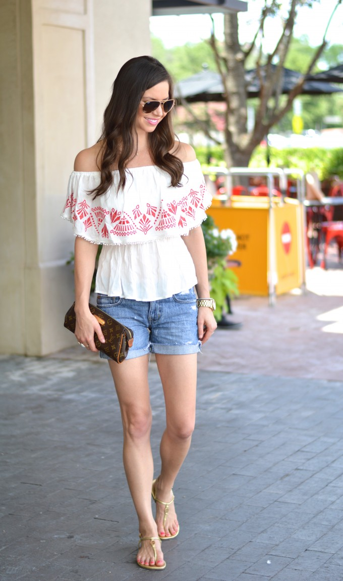 off the shoulder top, cut off jean shorts, Tory Burch sandals, Ray Ban aviators