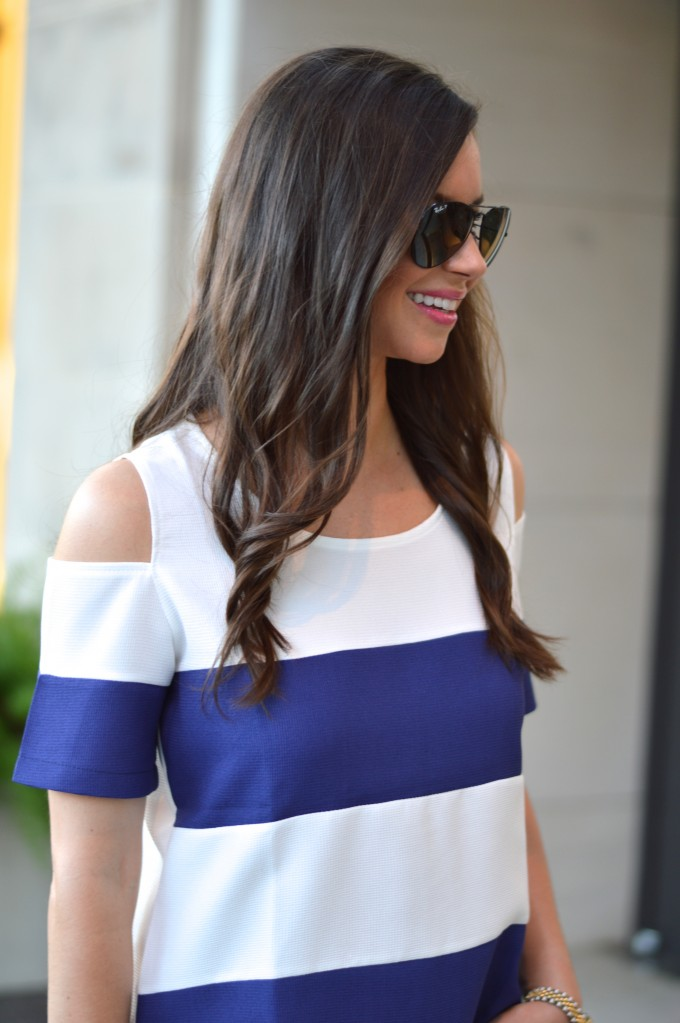 cold shoulder top, beach waves, casual summer outfit, ray ban aviators