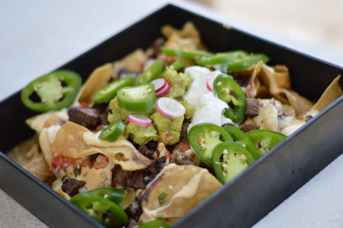 carne asade nachos, poolside, unique nacho recipe, four seasons scottsdale