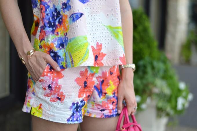 matching shorts and top sets, matching short sets, kendra scott bracelets, arm party bracelets, tropical summer print, dressy shorts