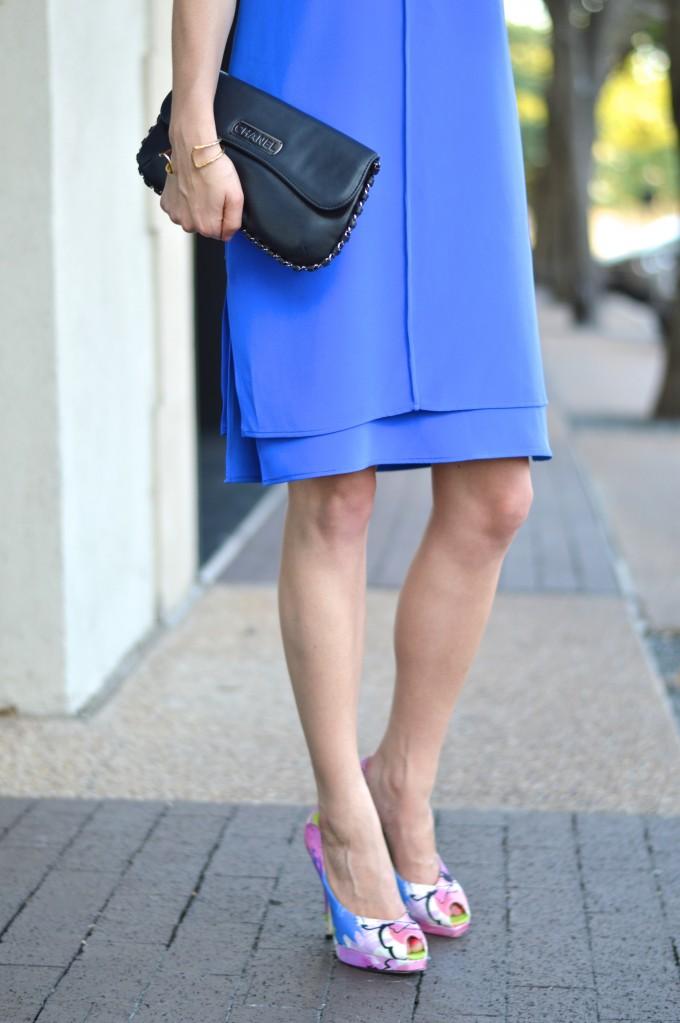 cobalt blue dress, summer wedding style, slip dress. floral pumps, Chanel clutch