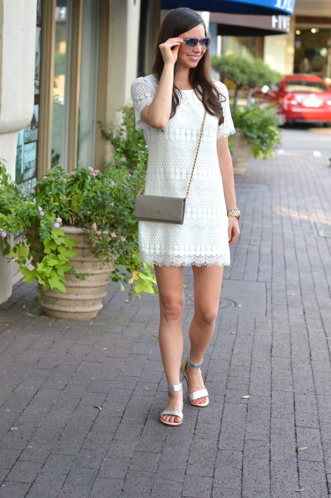 cream lace dress, ray ban aviators, mirrored lenses