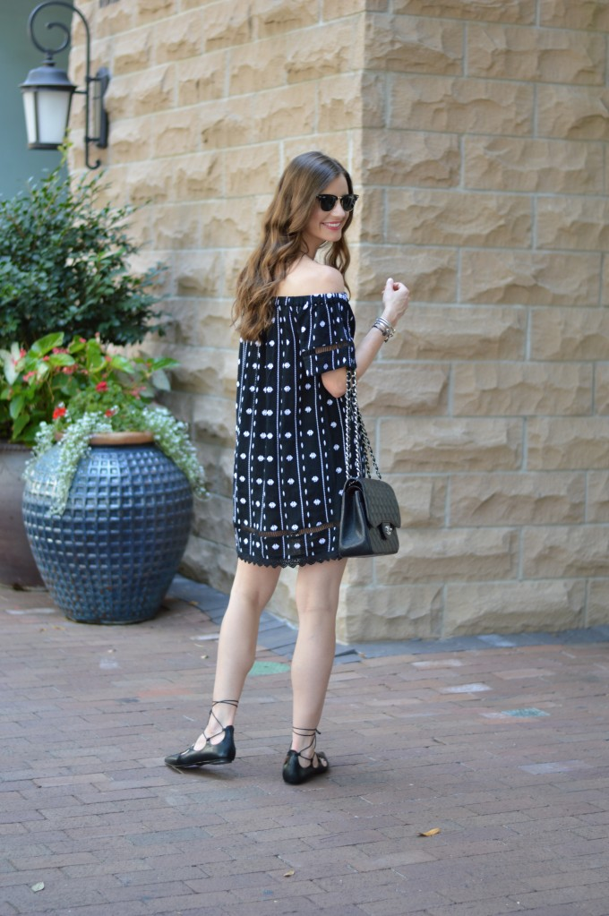 off the shoulder dress, black and white off the shoulder dress, beach waves, summer dresses
