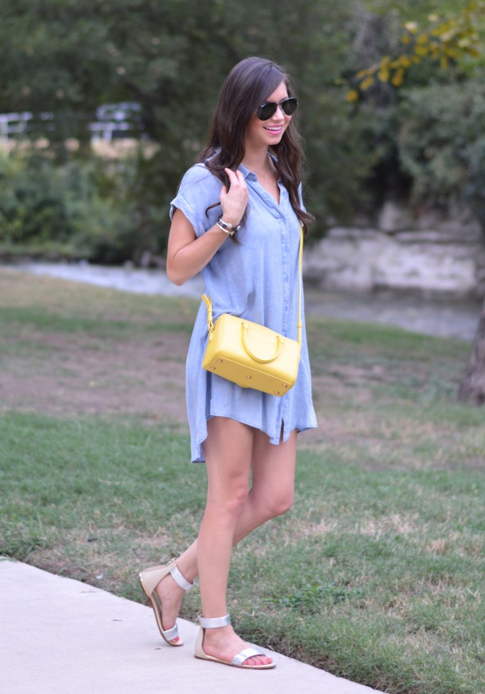 chambray dress, casual fall traction style, how to style a chambray dress, how to wear a cross body bag, Saint Laurent cross body