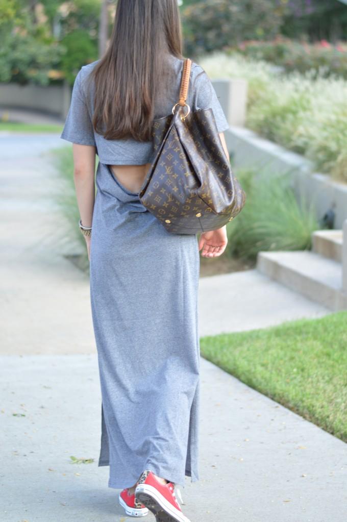 open back maxi dress, open back t-shirt dress, open back casual dress