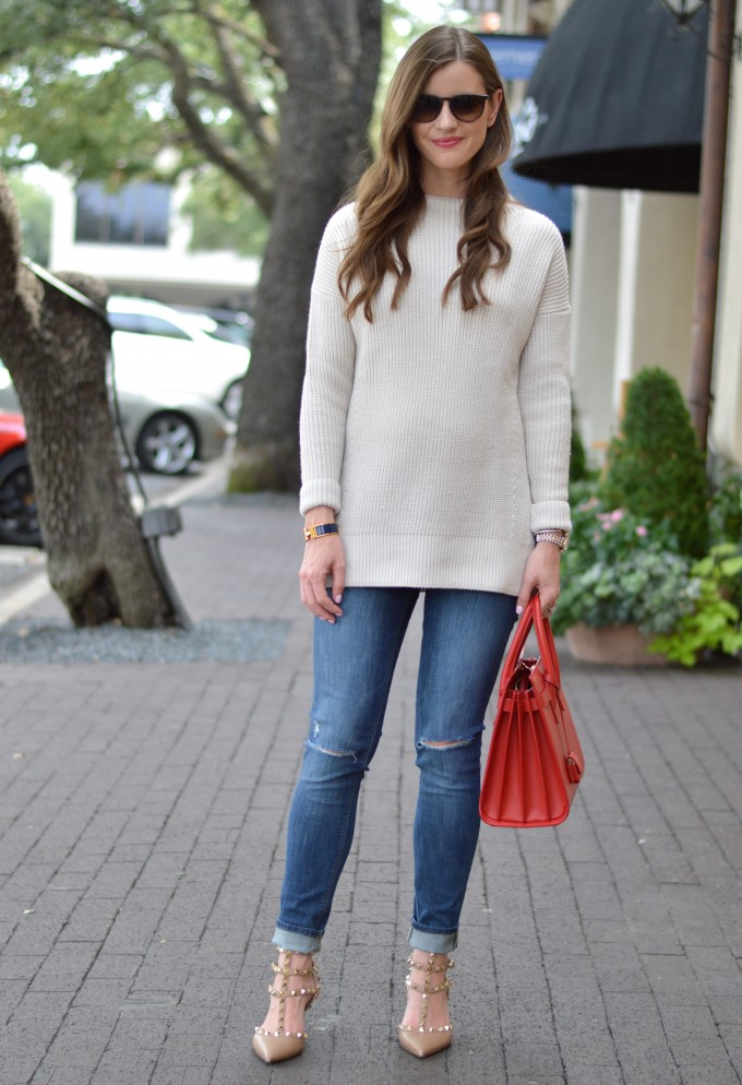 ray ban aviators, easy waves, funnel neck sweater, red handbags, distressed jeans, maternity jeans, maternity style