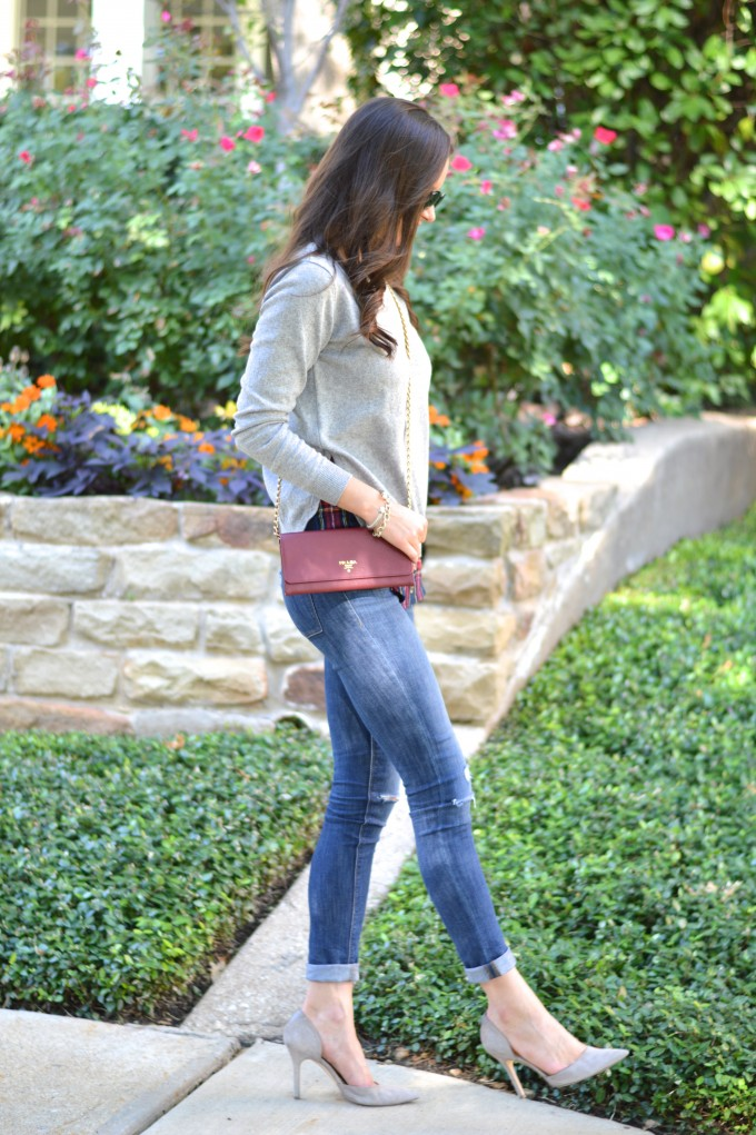 layered sweater, casual fall style, sweaters for fall, prada cross body bag