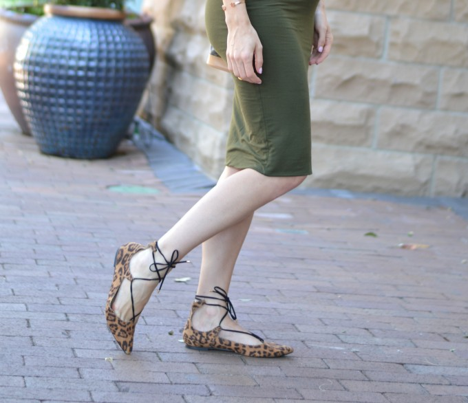 pregnancy style, lace up flats, leopard fllats