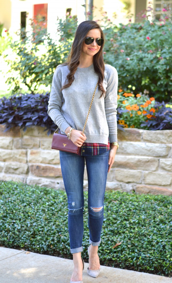 layered sweater, distressed jeans, wearing pumps with jeans