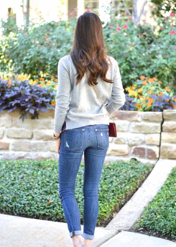 casual weekend wear, casual fall style, distressed jeans