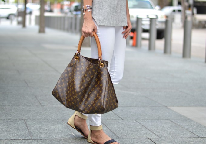 sandals for fall, fall style, how to wear white jeans in the fall