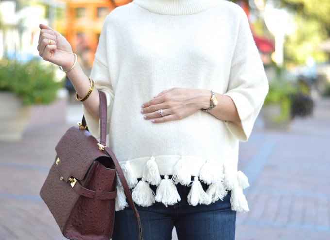 casual maternity style, tasseled sweater, bump style