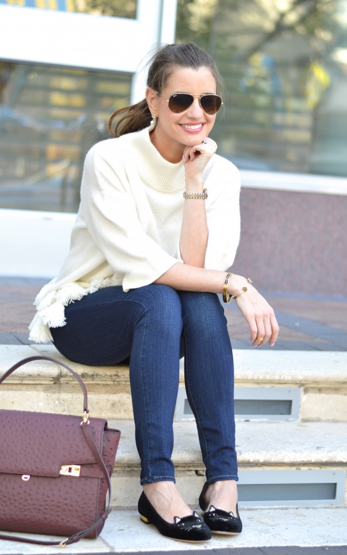 weekend uniform, sweater with tassels, winter white sweater