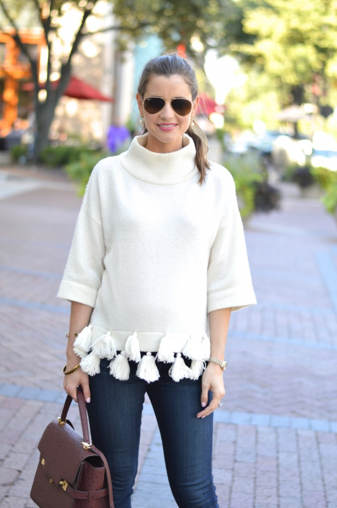 sweater with tassels, casual maternity style, maternity style