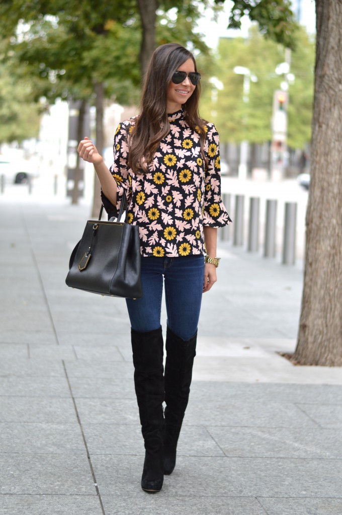 fall floral, wearing floral for fall, bell sleeve top