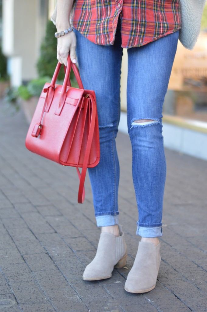 distressed maternity jeans, maternity style, neutral suede booties, red handbag