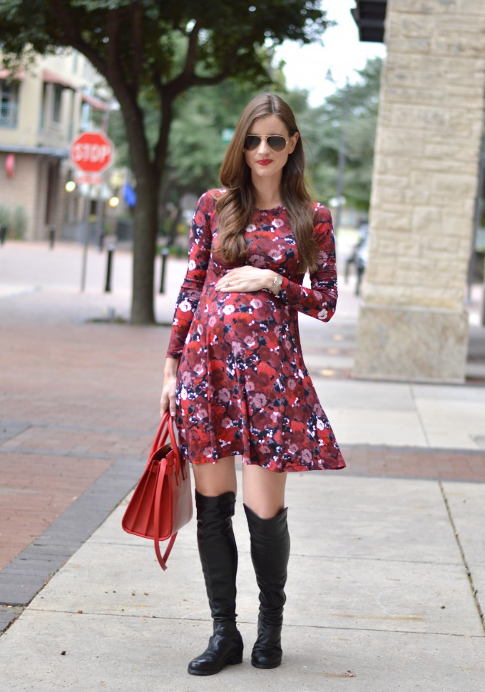 bump style, fall floral dress,