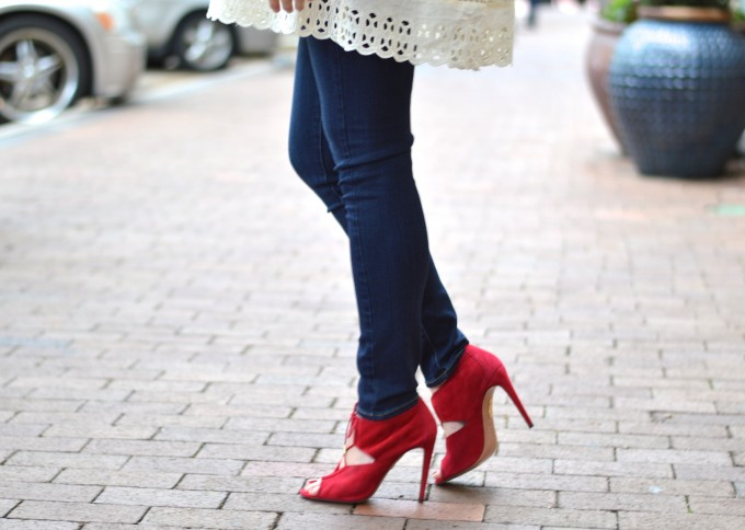 red lace up heels, red heels for fall, skinny jeans for maternity