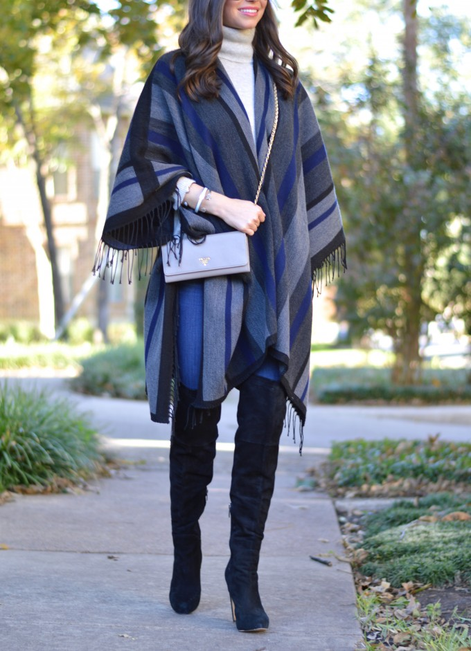 fringed poncho, cross body bag in gray