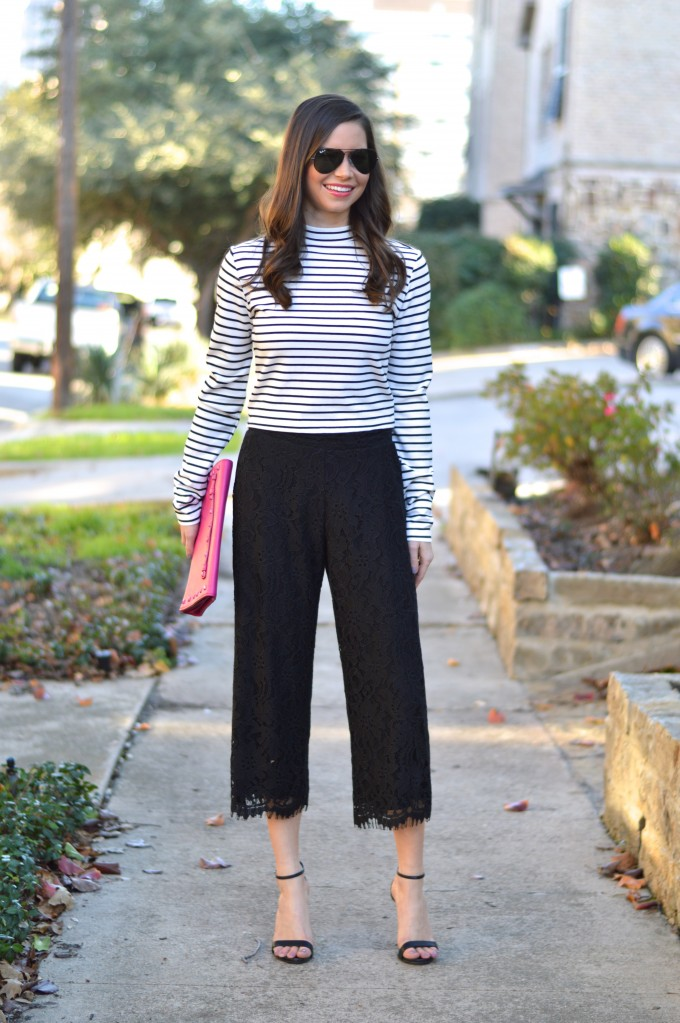 cute culottes outfit, striped mock turtleneck, strappy black sandals, hot pink clutch