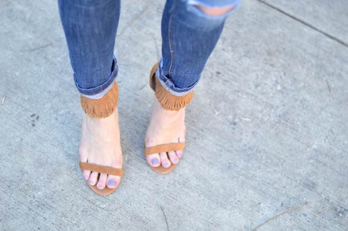 distressed jeans, fringed heels, fringed heeled sandals