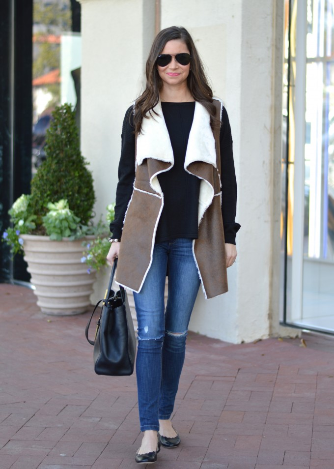 shearling vest, browna nd black outfit, casual weekend outfit