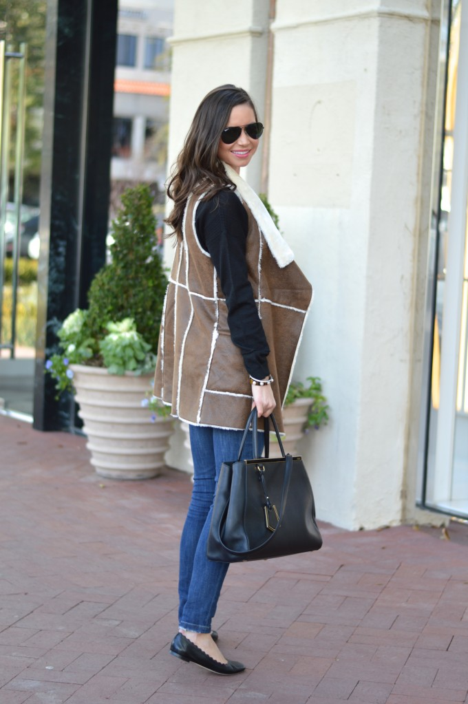 how to style a shearling vest, casual look with a shearling vest, what to wear for a casual day of shopping