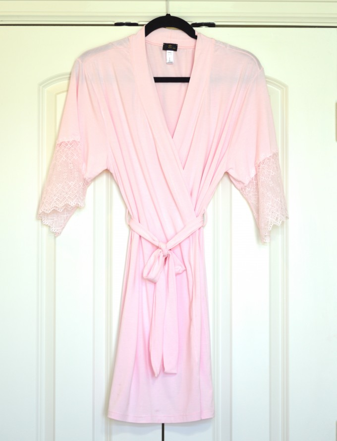 what is in my hospital bag, what to pack for hospital delivery, maternity style, cosabella pink robe