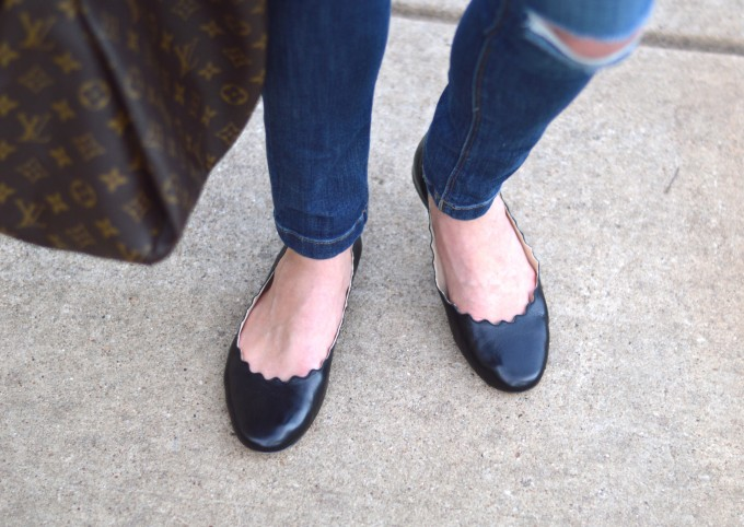 black scallop flats, distressed jeans