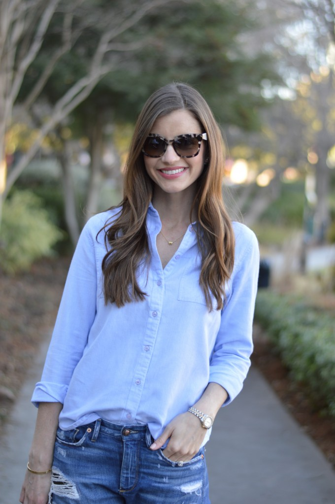 blue button down shirt, casual mom style