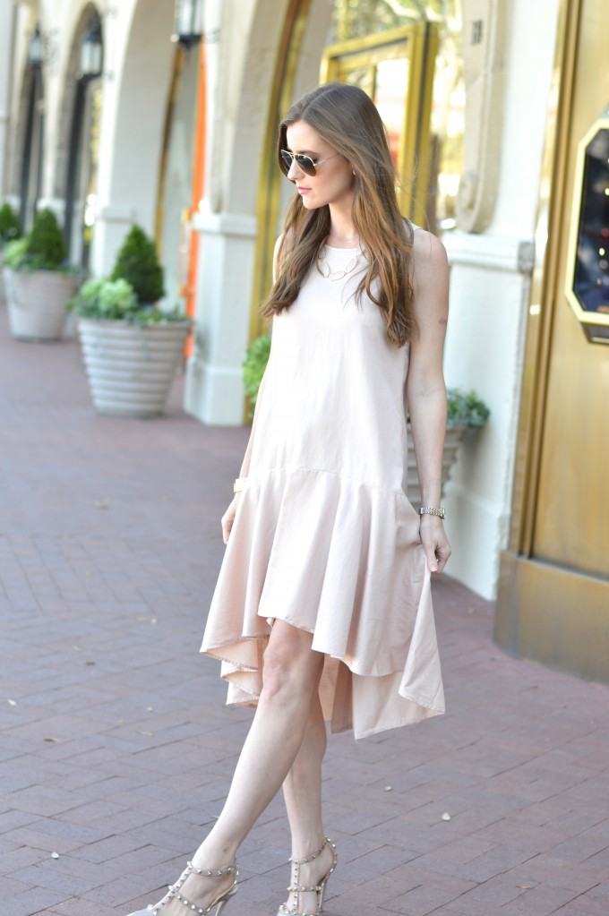 blush pink dress, wedding season dresses, what to wear to a spring wedding, rockstud pumps