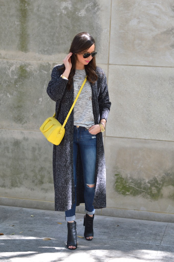 long cardigan, distressed jeans, yellow cross body bag, embellished tee