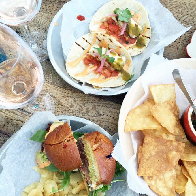 dining in Charleston, fresh seafood in Charleston, fish tacos