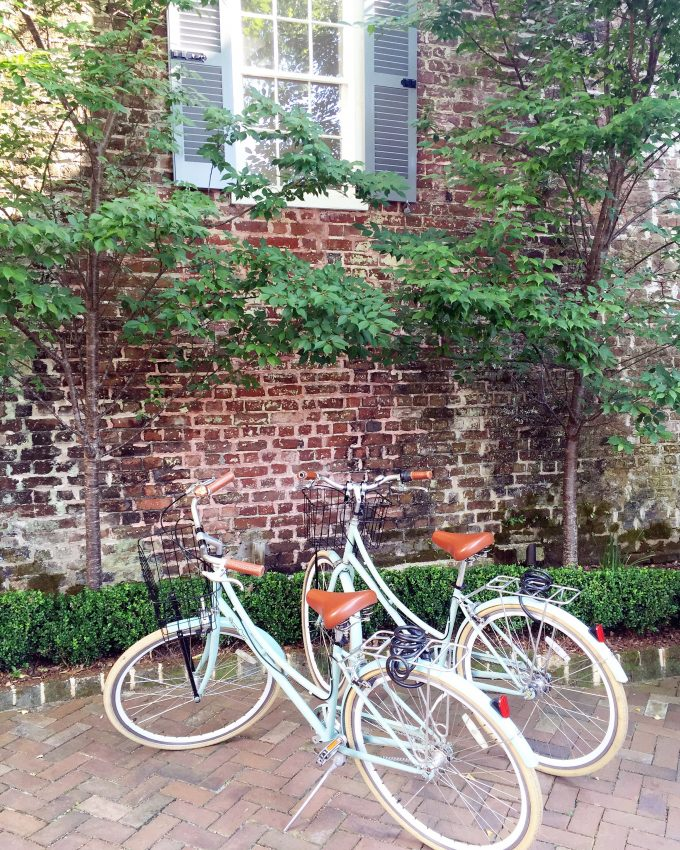 travel guide Charleston, cute bikes