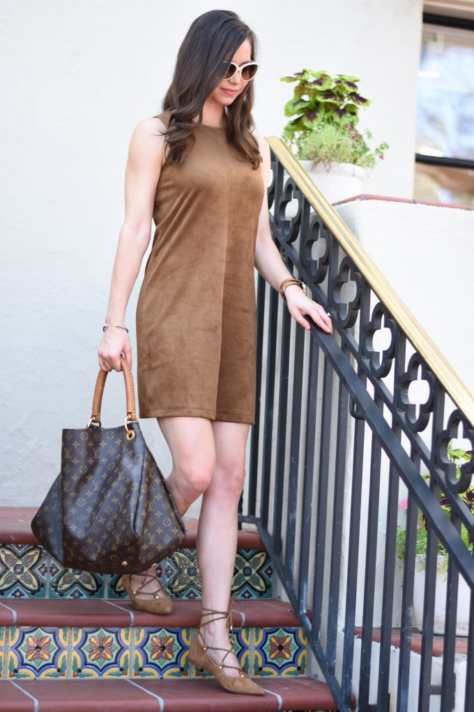 brown fux suede dress, hobo bag, lace up flats