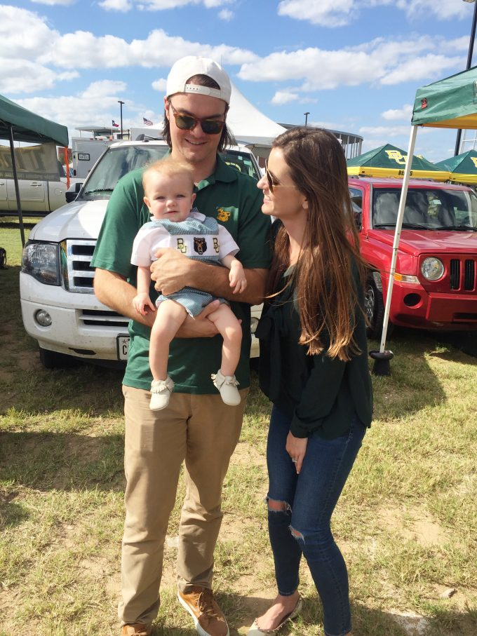 baylor mom and dad with baby at tailgate party