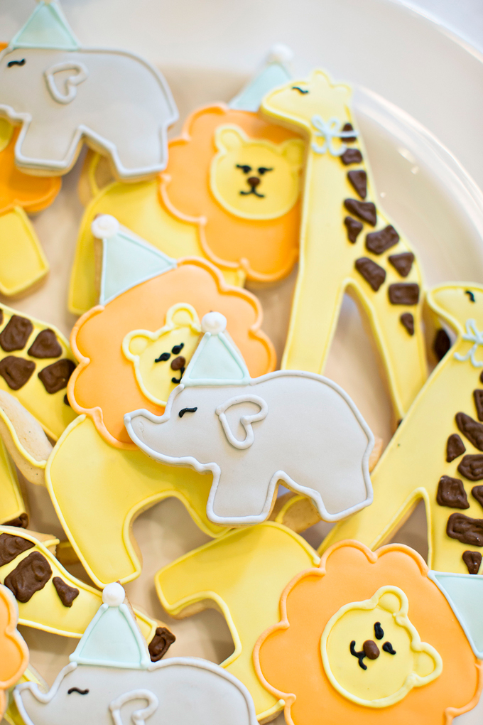 custom decorated animal cookies