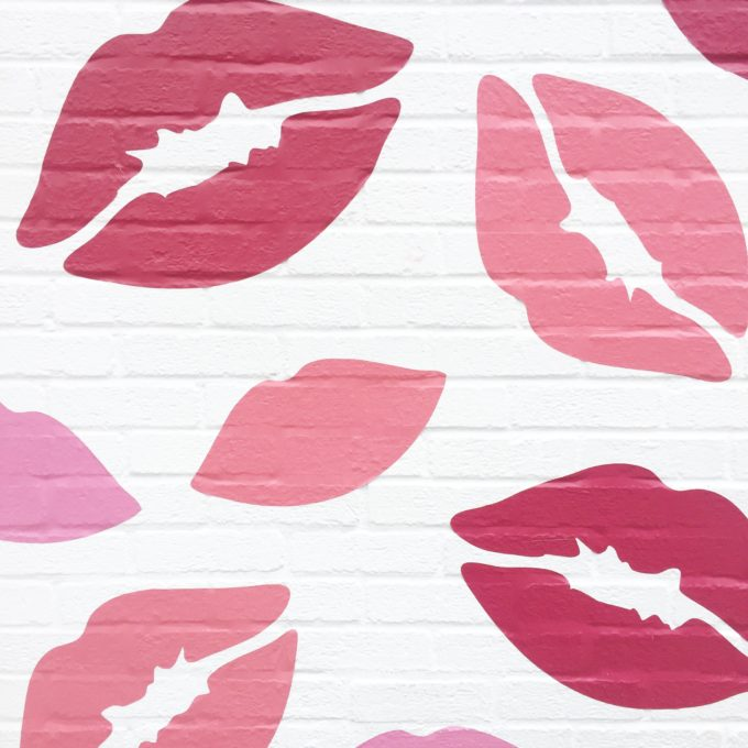 lip graffiti wall on Melrose Acenue