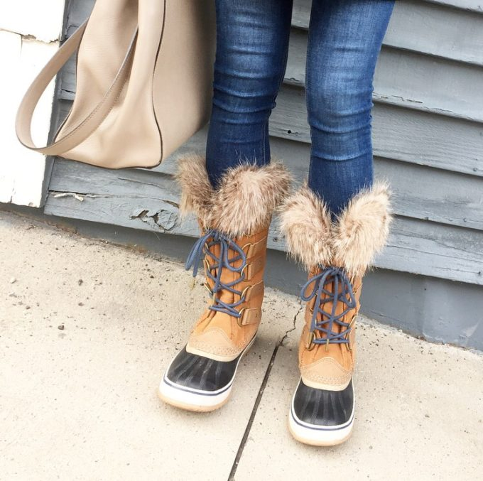 sorel boots with fur trim