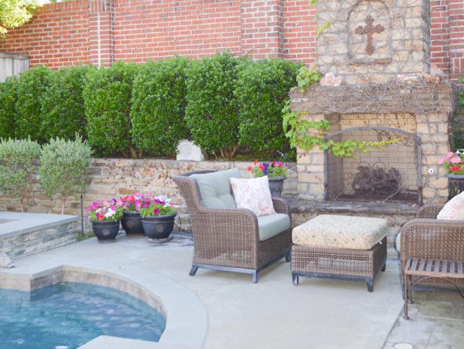 patio living area before redo