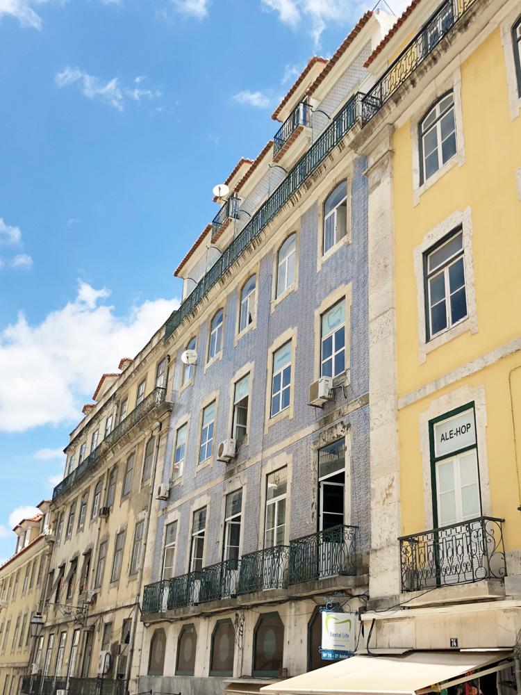 lisbon pastel buildings