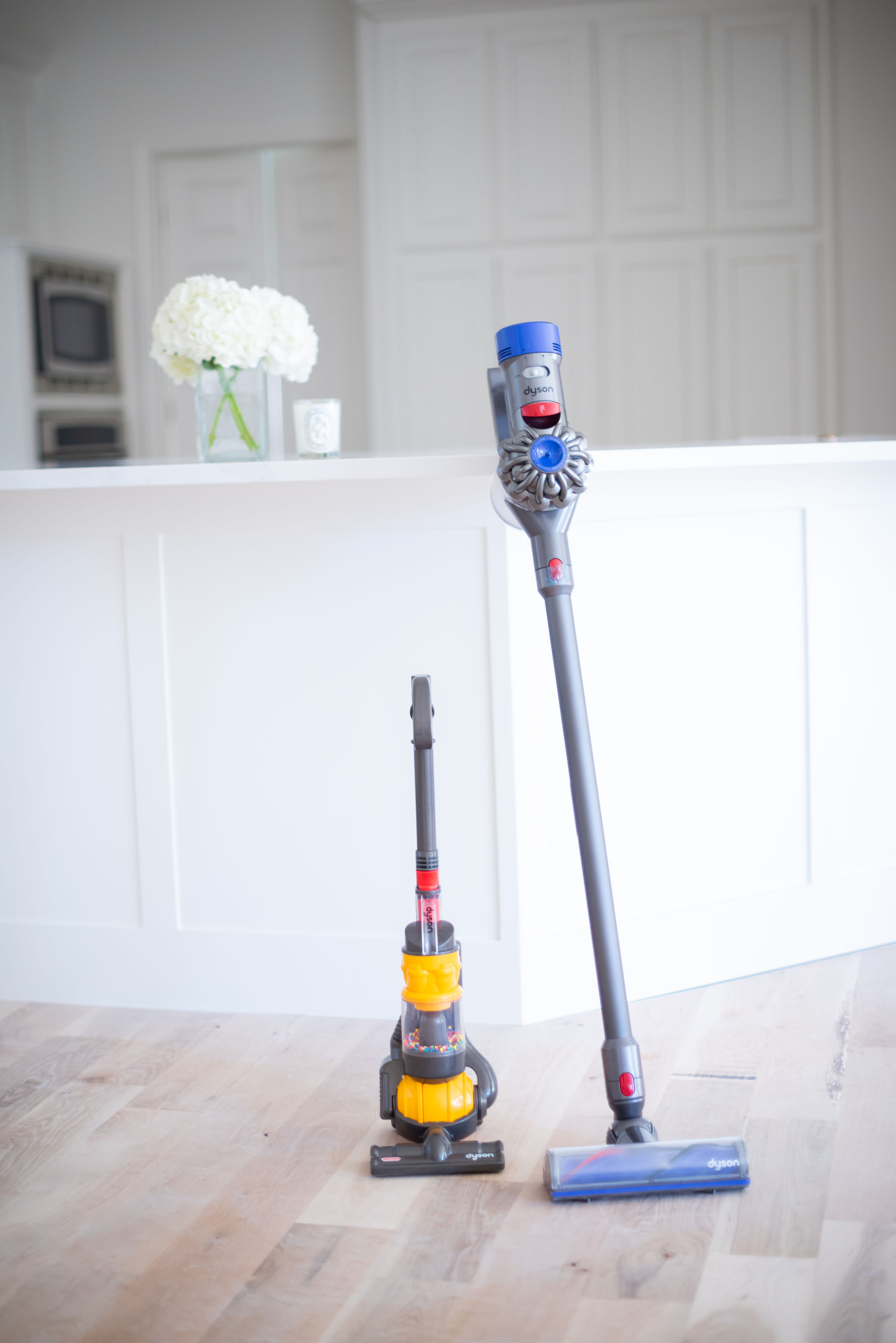 tips for getting ready for the holidays dyson cordless vacuum kids toy dyson