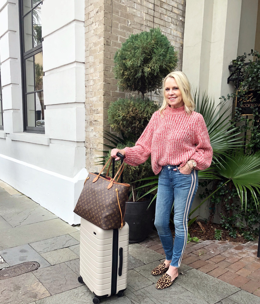 48 hours in charleston travel outfit