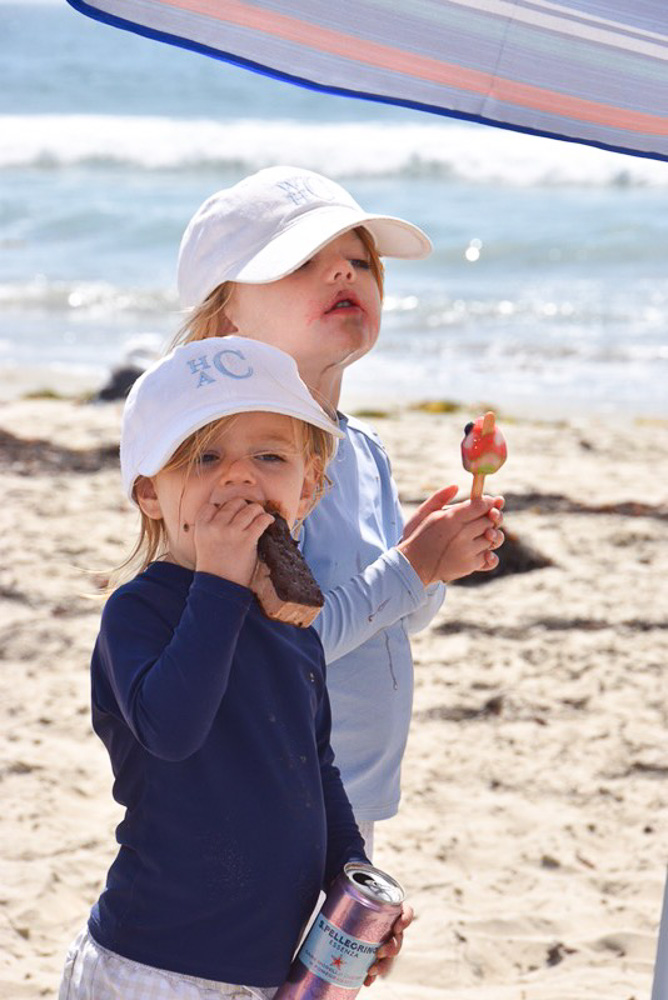 toddler brothers at the beach