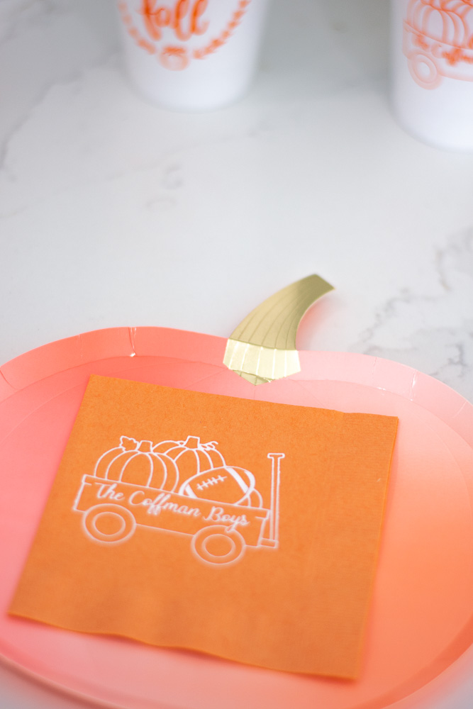 personalized napkins and pumpkin plates